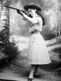 самый лучший стрелок в мире - Энни Оукли