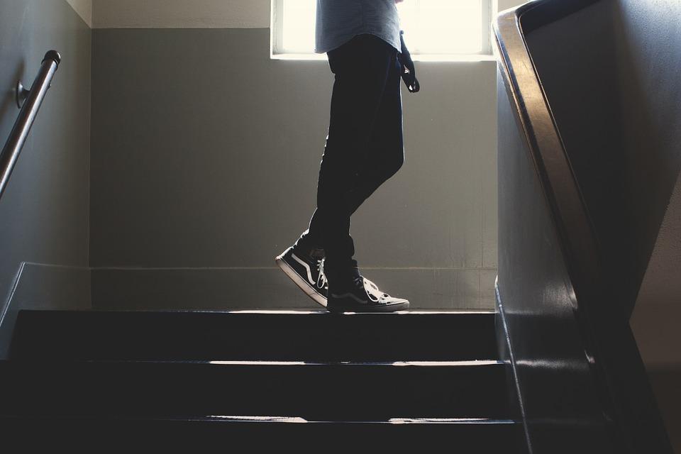 интересные места для секса - лестница